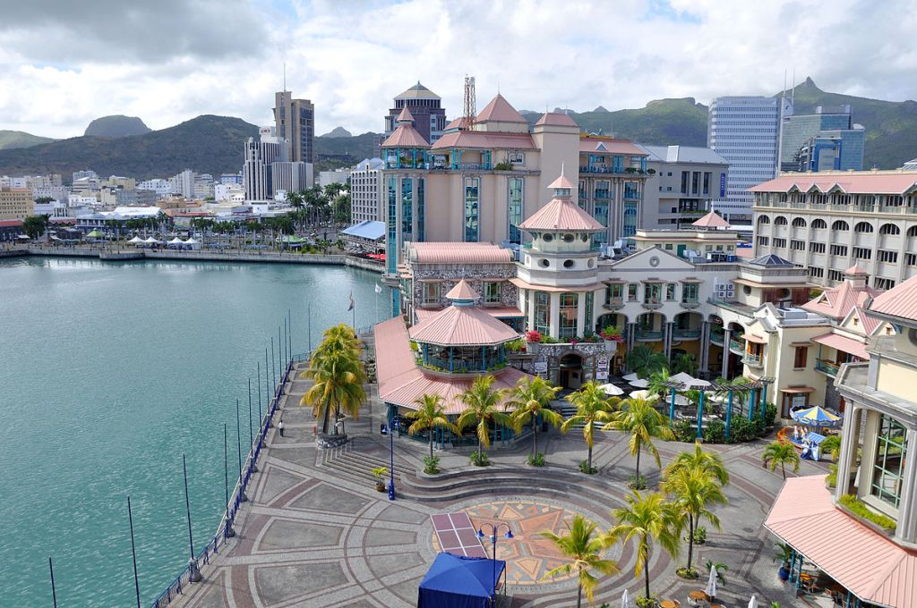 maurice-port-louis-caudan_waterfront