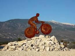 Weekend Joël vous invite à découvrir à vélo l'enclave des papes (haut vaucluse)