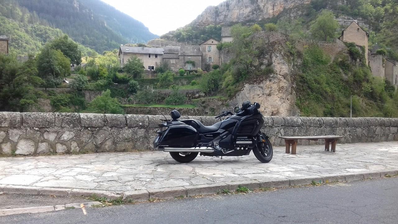 weekend-moto-occitanie-Aveyron-sortie-moto-balade-moto