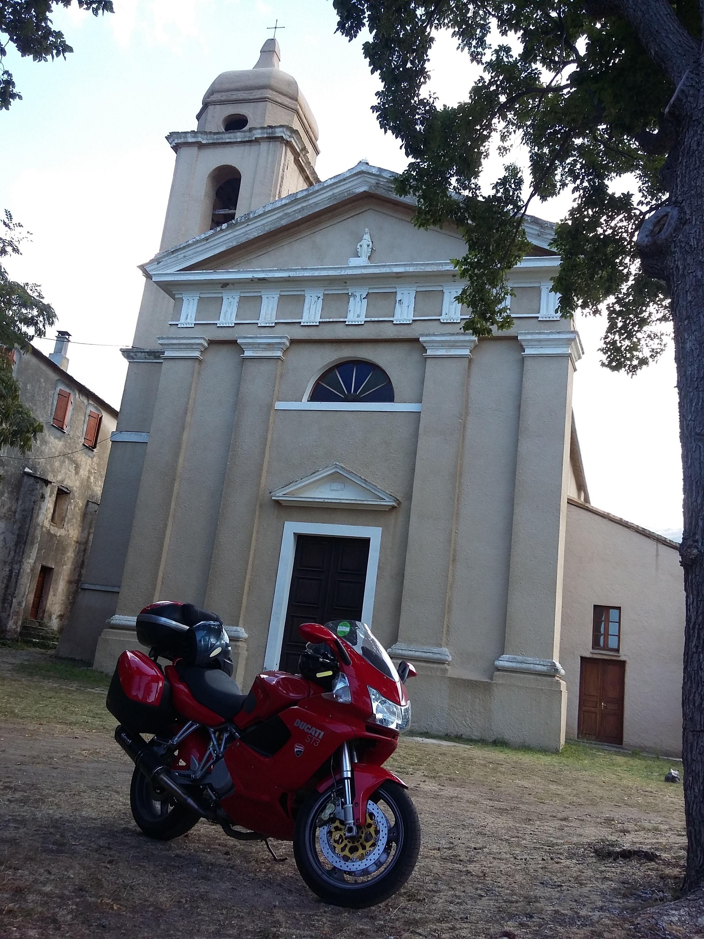 Weekend de PHILIPPE - Visites de châteaux et balades en moto dans le Perche et le faux perche, balade à Chartres possible également.