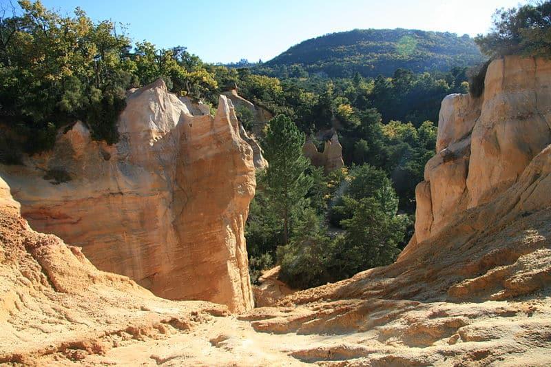 Chateaux du Luberon Balade dans le Colorado Provençal Image 2
