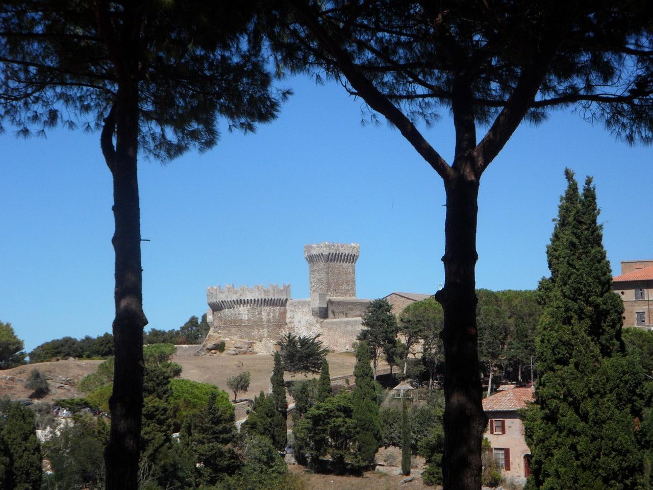 scapade à pise - Châteaux de Populonia
