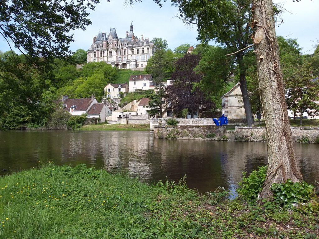 Weekend Visites de châteaux et balades en moto dans le Perche et le faux perche, balade à Chartres possible également.