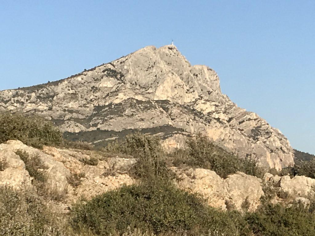Weekend Florence vous emmène randonner dans la montagne Sainte Victoire